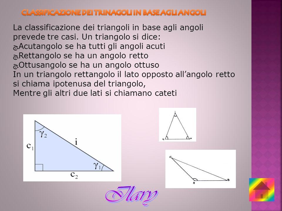 La classificazione dei triangoli in base agli angoli prevede tre casi. Un triangolo si dice: Acutangolo se ha tutti gli angoli acuti Rettangolo se ha