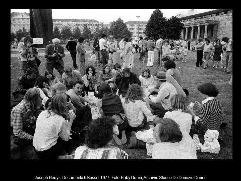 Joseph Beuys, Documenta 6 Kassel 1977, Foto Buby Durini, Archivio Storico De Domizio Durini.