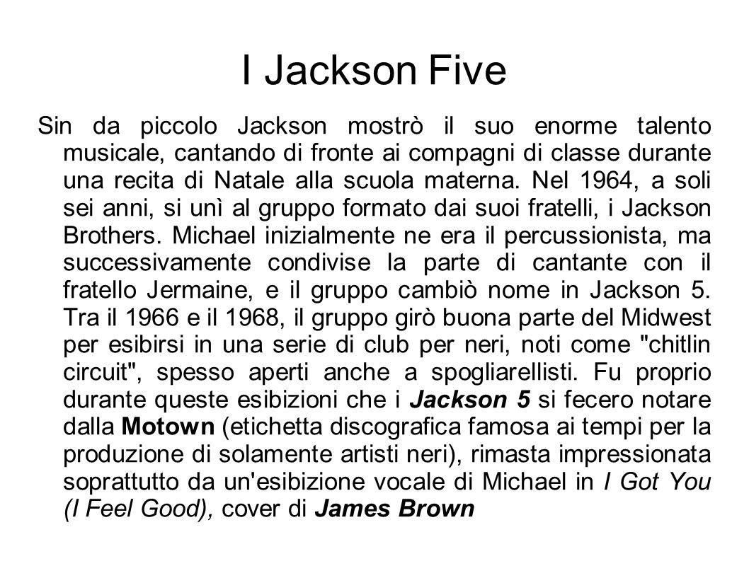 I Jackson Five Sin da piccolo Jackson mostrò il suo enorme talento musicale, cantando di fronte ai compagni di classe durante una recita di Natale all