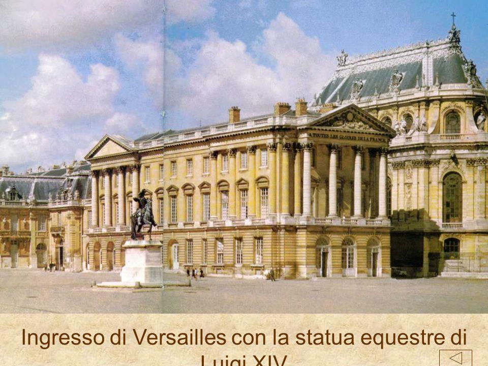 La nostra amica Valentina è andata a Parigi e ci ha portato le immagini di Versailles. Possiamo confrontarle con ciò che rimane del Palazzone e con le
