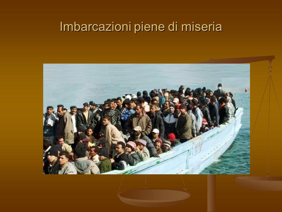 Imbarcazioni piene di miseria