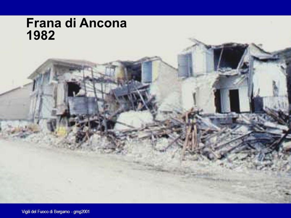 Vigili del Fuoco di Bergamo - gmg2001 Effetti delle frane in Campania anno 1998