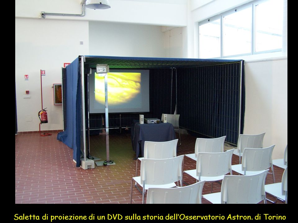 Settore mostra dedicato ai pannelli riguardanti le attività di ricerca dellOsservatorio