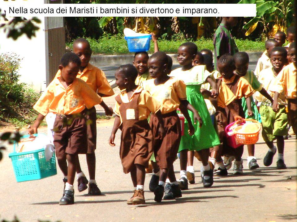 Nella scuola dei Maristi i bambini si divertono e imparano.