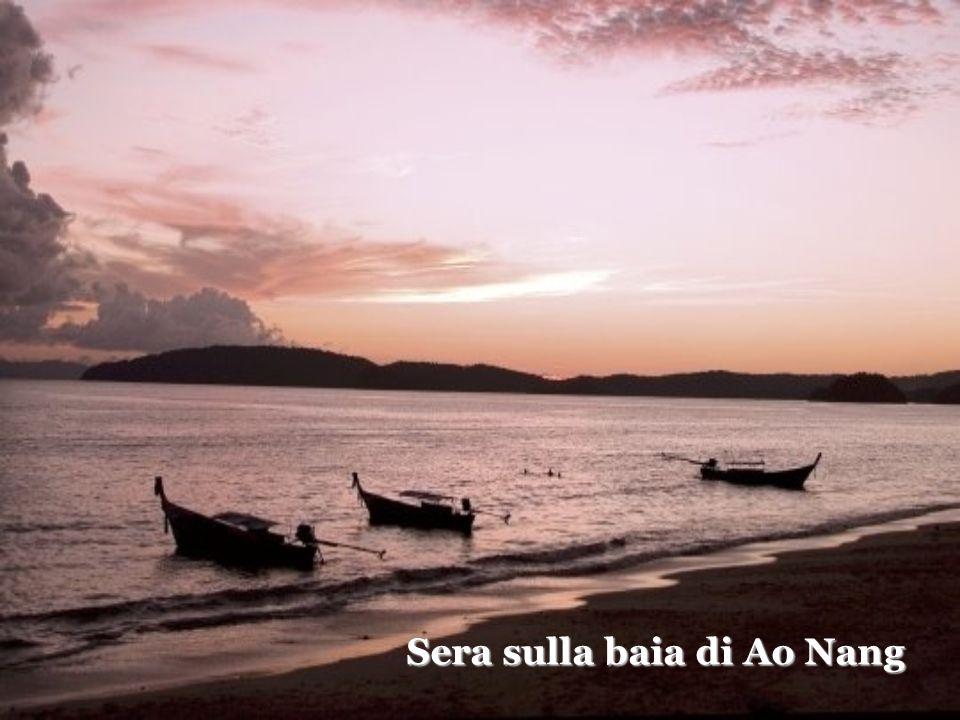 Sera sulla baia di Ao Nang