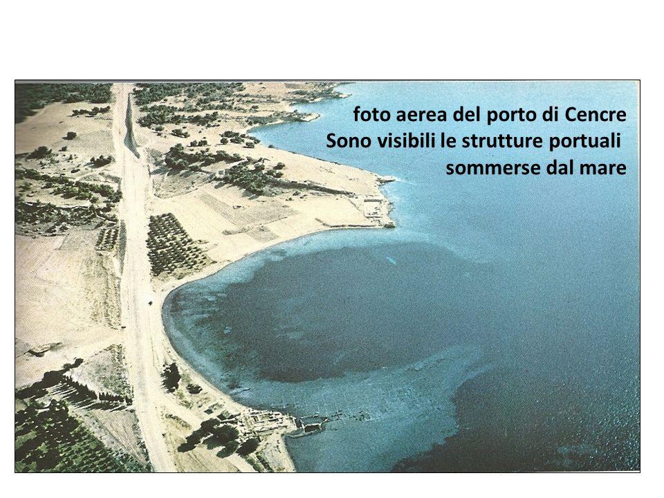 foto aerea del porto di Cencre Sono visibili le strutture portuali sommerse dal mare