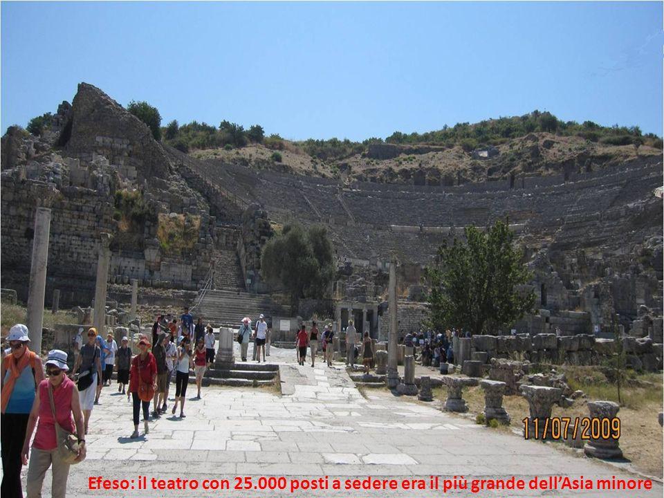 Efeso: il teatro con 25.000 posti a sedere era il più grande dellAsia minore