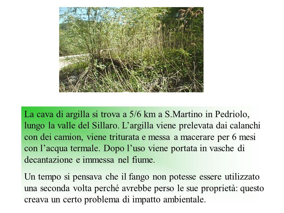 La cava di argilla si trova a 5/6 km a S.Martino in Pedriolo, lungo la valle del Sillaro. Largilla viene prelevata dai calanchi con dei camion, viene