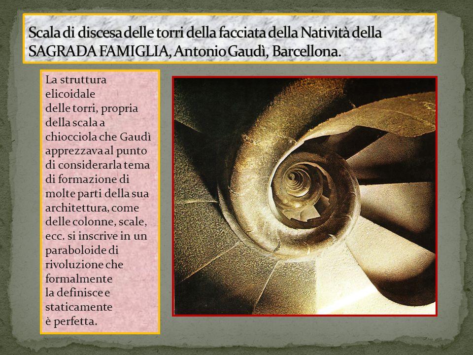 La struttura elicoidale delle torri, propria della scala a chiocciola che Gaudì apprezzava al punto di considerarla tema di formazione di molte parti