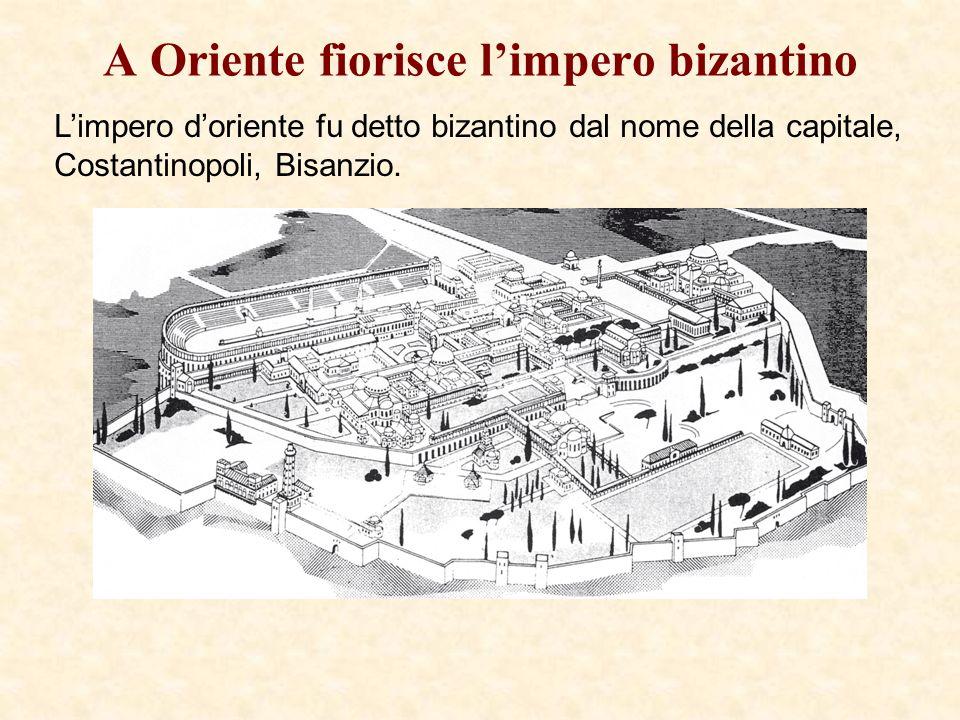 Limperatore Giustiniano Questo mosaico rappresenta Giustiniano in una cerimonia pubblica.