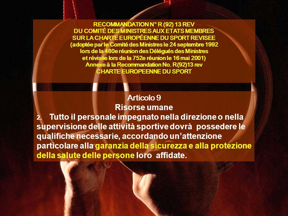 Secondo il rapporto dellEuropean Network of Sport Science Institutes - la regola generale stabilisce che una professione esiste quando dispone di riconoscimento sociale, determinato in base ai seguenti criteri: –esistenza di una organizzazione professionale propria (sindacato, ordine, associazione professionale) –esistenza di una o più formazioni specifiche –esistenza di una forma di riconoscimento legale