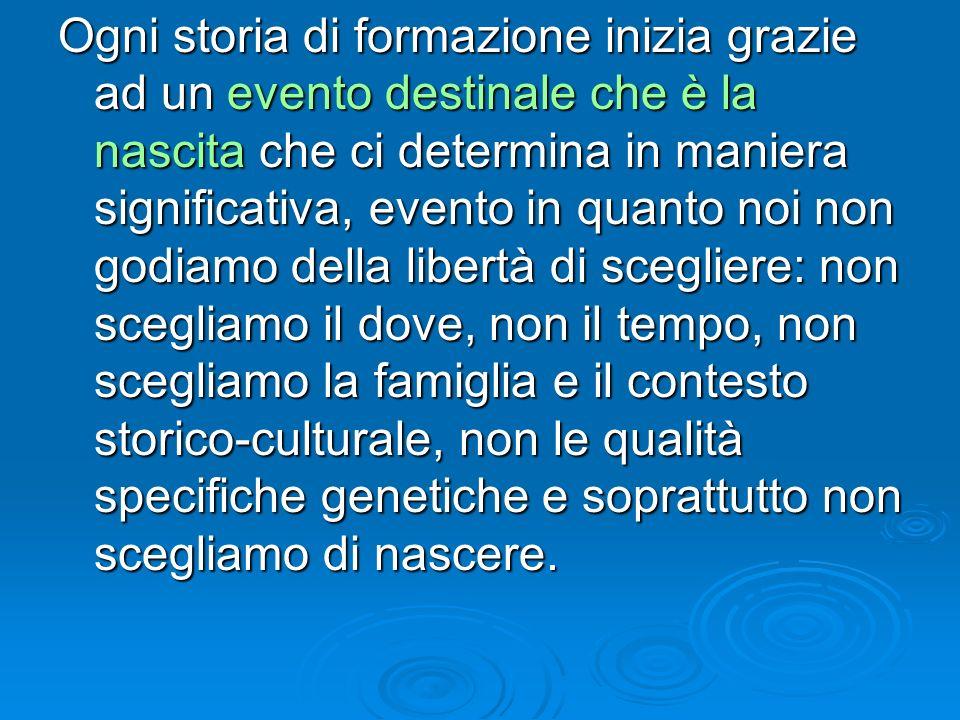 Leonardo Trisciuzzi[1] ha affermato che là dove ci sono deboli, diversi, handicappati, stranieri, il centro mette in moto dei meccanismi di difesa che si traducono nellemarginazione.