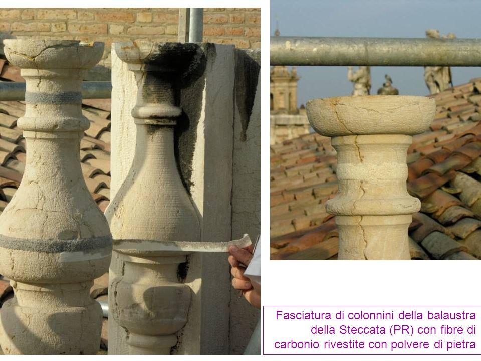 Fasciatura di colonnini della balaustra della Steccata (PR) con fibre di carbonio rivestite con polvere di pietra