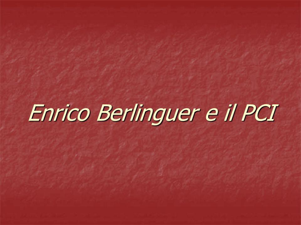 Il PCI in mezzo al guado Nel 1979, con la fine della solidarietà nazionale, Berlinguer lancia lalternativa democratica.
