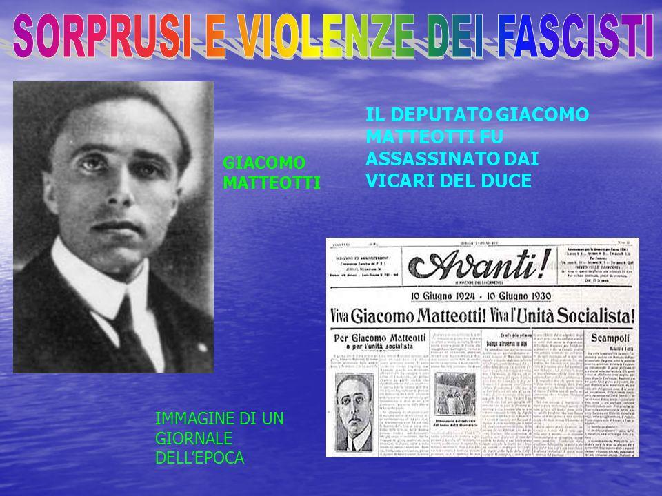 Nellottobre 1922 i capi fascisti organizzarono una marcia su Roma, per costringere il governo, presieduto da Luigi Facta, alle dimissioni. Il re rifiu