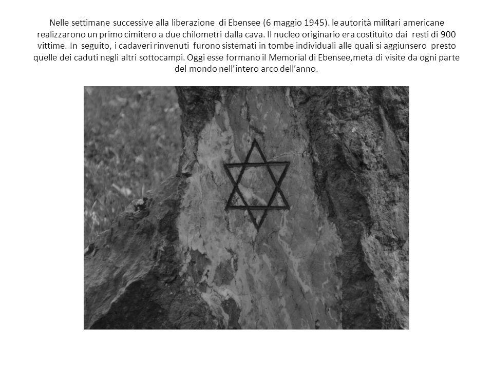 Nelle settimane successive alla liberazione di Ebensee (6 maggio 1945). le autorità militari americane realizzarono un primo cimitero a due chilometri