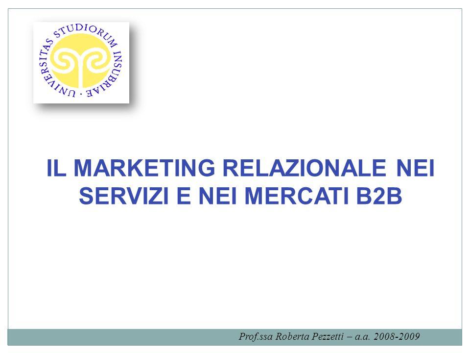 Una definizione di marketing relazionale Marketing è stabilire, mantenere e implementare relazioni con i clienti ed altre parti, in modo tale che gli obiettivi delle parti coinvolte confluiscano in un punto comune.