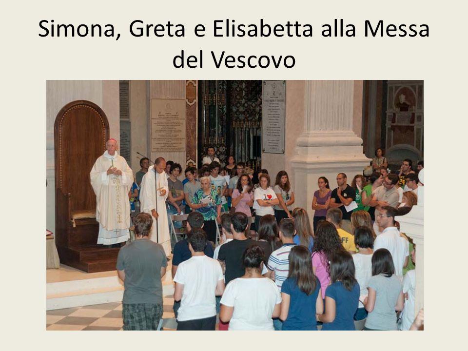 Simona, Greta e Elisabetta alla Messa del Vescovo