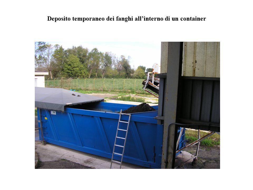 Deposito temporaneo dei fanghi allinterno di un container