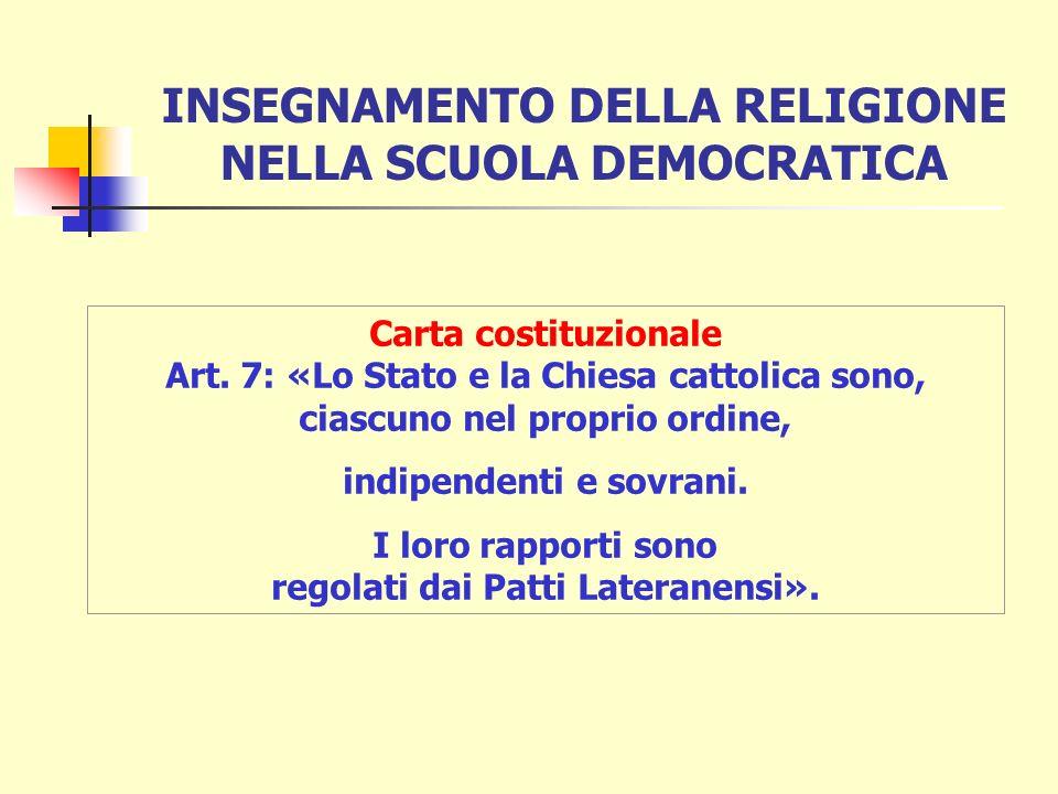 Negli anni 30 la scuola italiana subì una graduale trasformazione consistente in una progressiva fascistizzazione.