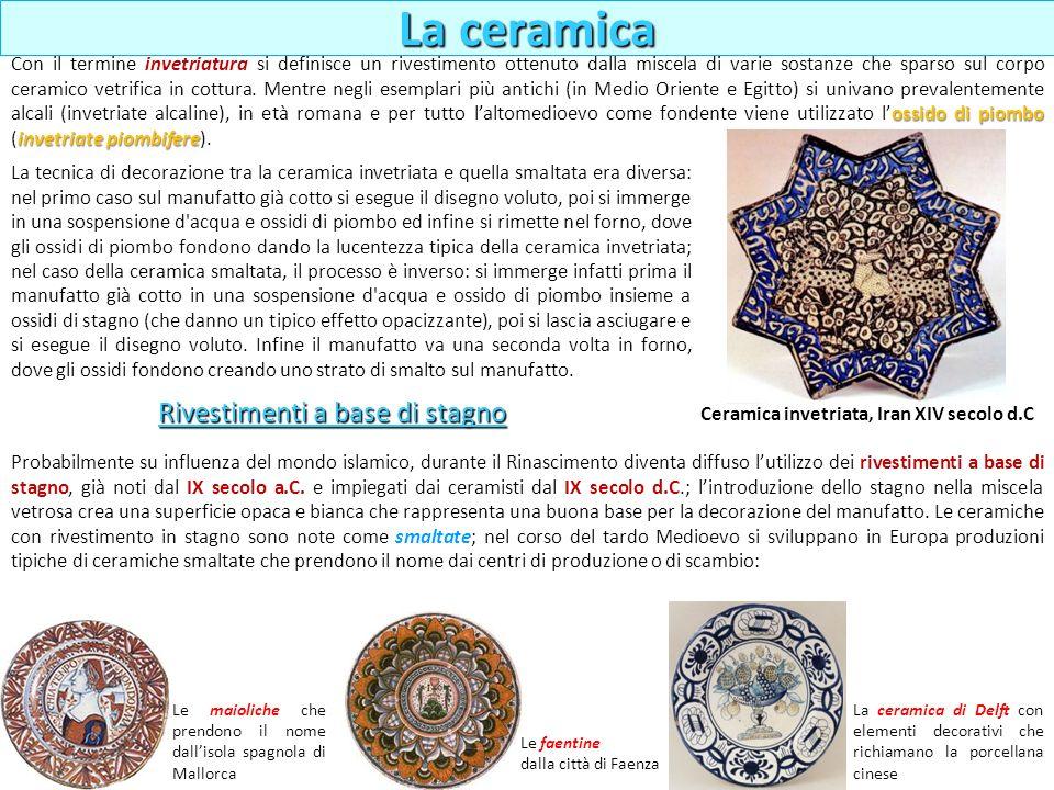 La tecnica di decorazione tra la ceramica invetriata e quella smaltata era diversa: nel primo caso sul manufatto già cotto si esegue il disegno voluto