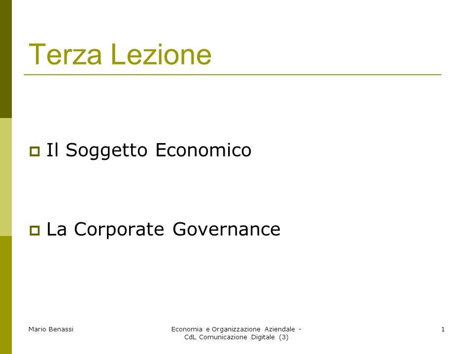 Mario Benassi Economia e Organizzazione Aziendale - CdL Comunicazione Digitale (3) 2 La nozione di Soggetto Economico il caso Brambilla Lazienda Brambilla si trovava in un momento particolare della sua esistenza.