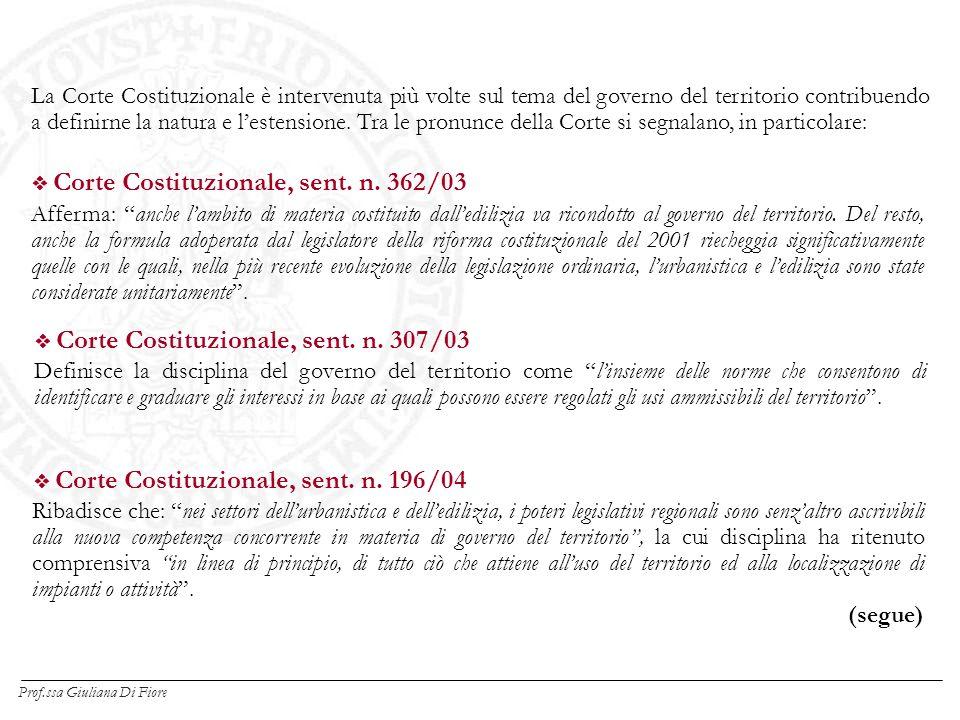 La Corte Costituzionale è intervenuta più volte sul tema del governo del territorio contribuendo a definirne la natura e lestensione.