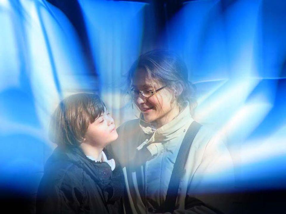 Vieni, Spirito Santo, nelle famiglie nelle famiglie In quelle che si sforzano di farcela a stare unite e dalla parte di Dio. Nelle altre, tante ormai,