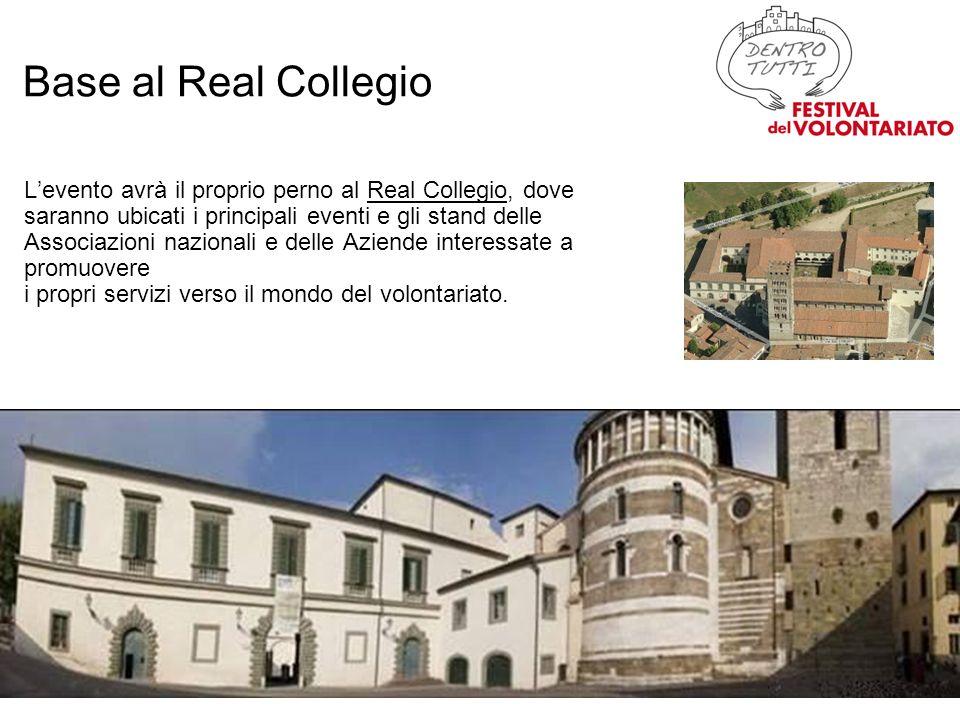 In piazza San Michele, sotto la loggia di Palazzo Pretorio, le Associazioni locali incontrano i cittadini, presentandosi e offrendo i propri servizi ed effettuando reclutamento.