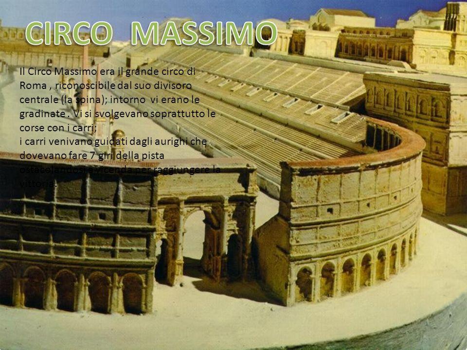 Il Colosseo (Anfiteatro Flavio)comprendeva unarena a gradinata dove gli spettatori si disponevano in base al rango : nelle prime file i ricchi e i nobili con le tuniche bianche, poi gli uomini plebei con le vesti scure e, dietro a tutti le donne.