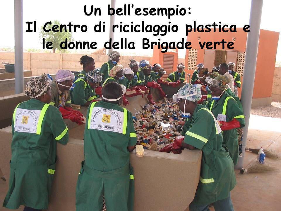 Un bellesempio: Il Centro di riciclaggio plastica e le donne della Brigade verte