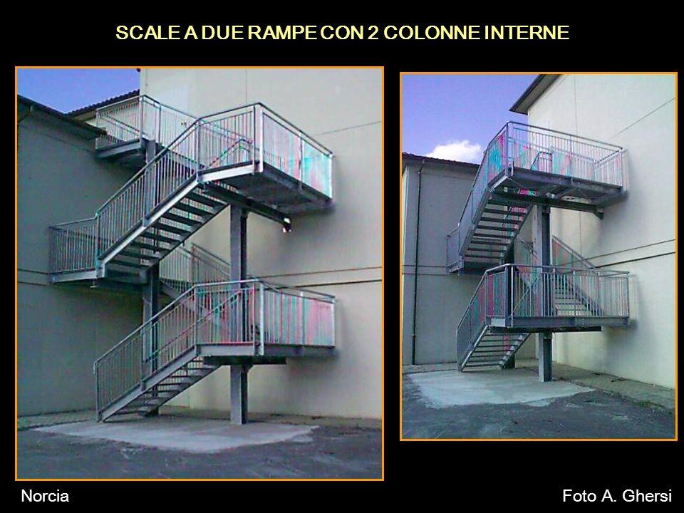 SCALE A DUE RAMPE CON 2 COLONNE INTERNE NorciaFoto A. Ghersi