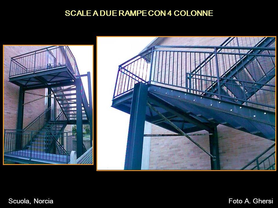 SCALE A DUE RAMPE CON 4 COLONNE Scuola, NorciaFoto A. Ghersi