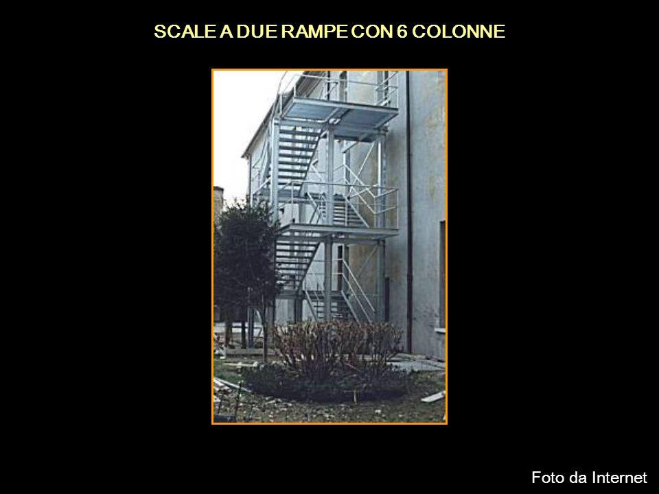 SCALE A DUE RAMPE CON 6 COLONNE Foto da Internet