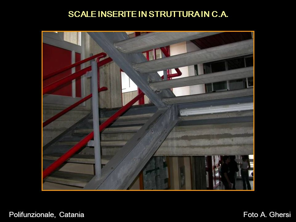 SCALE INSERITE IN STRUTTURA IN C.A. Polifunzionale, CataniaFoto A. Ghersi