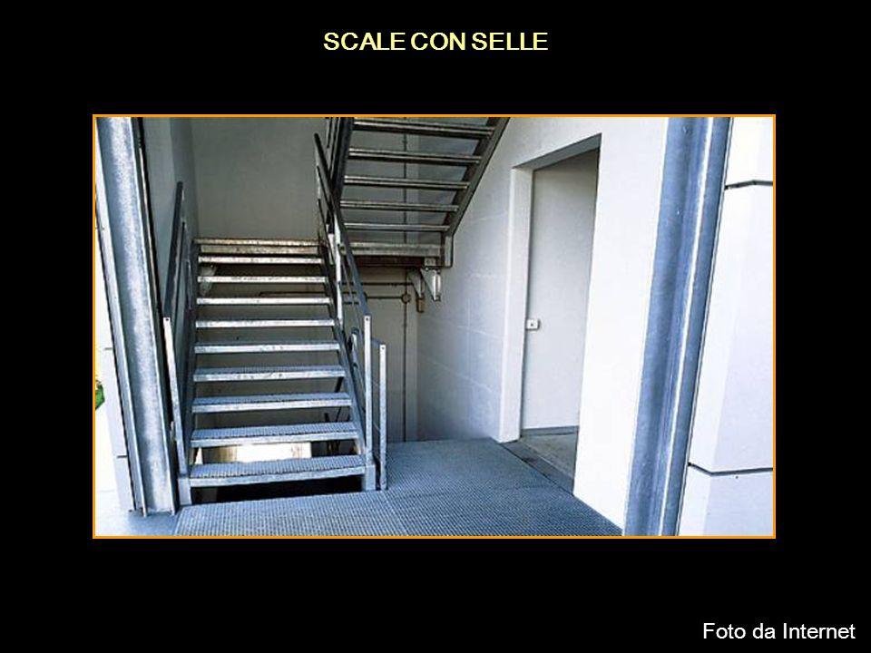 SCALE CON SELLE Foto da Internet