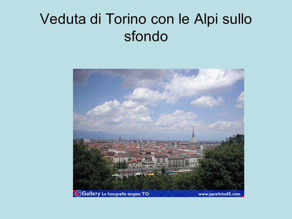 Veduta di Torino con le Alpi sullo sfondo