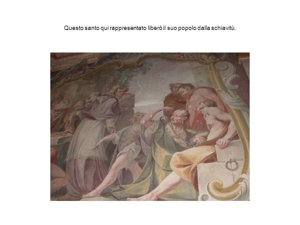 Questo santo qui rappresentato liberò il suo popolo dalla schiavitù.