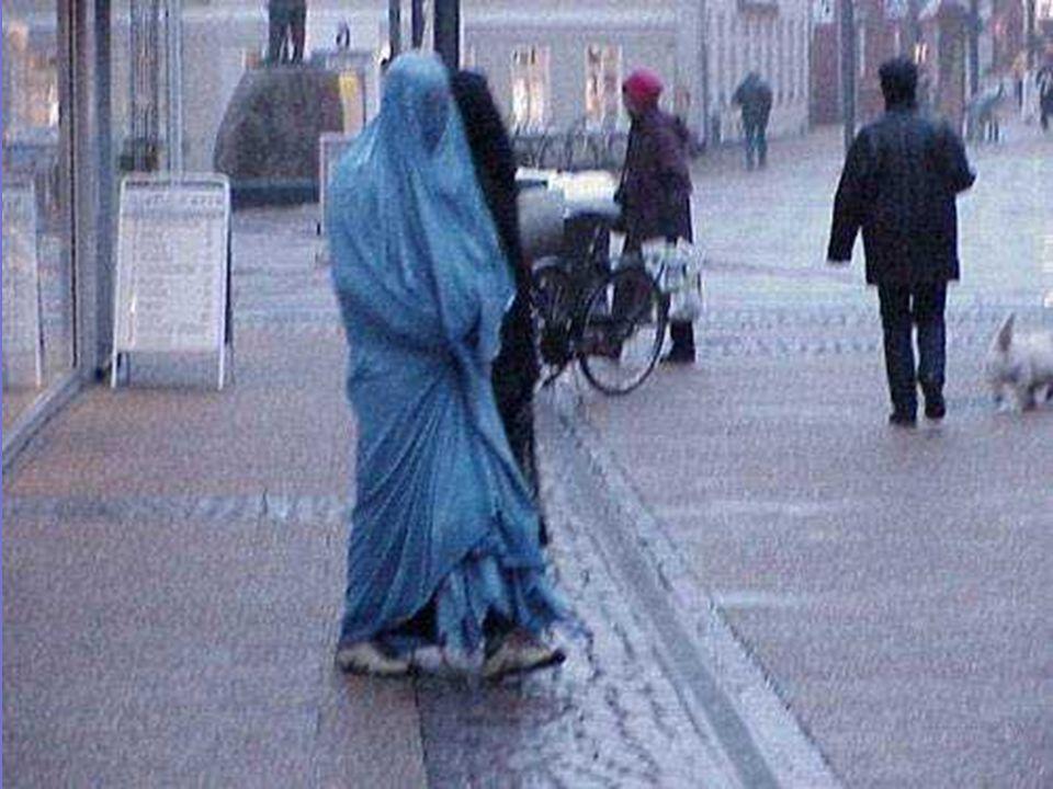 Il burka attuale non è un abito, è una prigione di stoffa che sottopone le donne alla difficoltà di non vedere a un metro di distanza con chiarezza. P