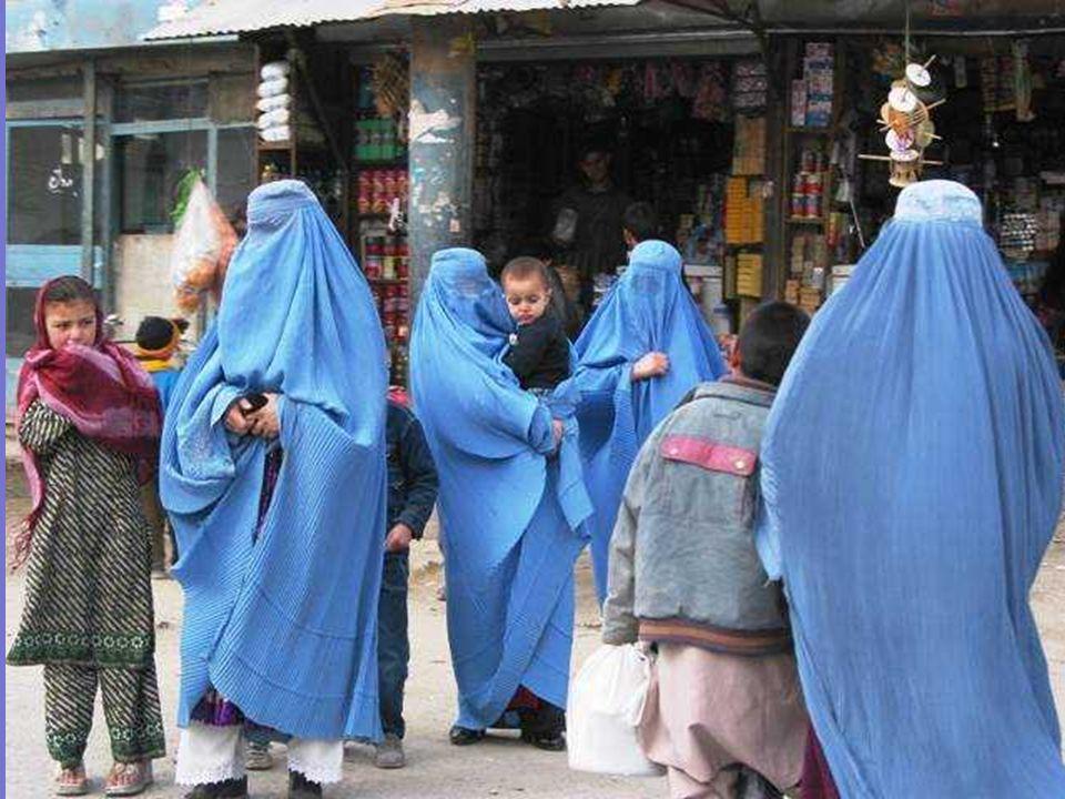 Quando le forze talebane hanno conquistato Kabul il 27.9.1996, hanno soppresso la donna afgana dalla vita civile. Espellendola anche dallinsegnamento
