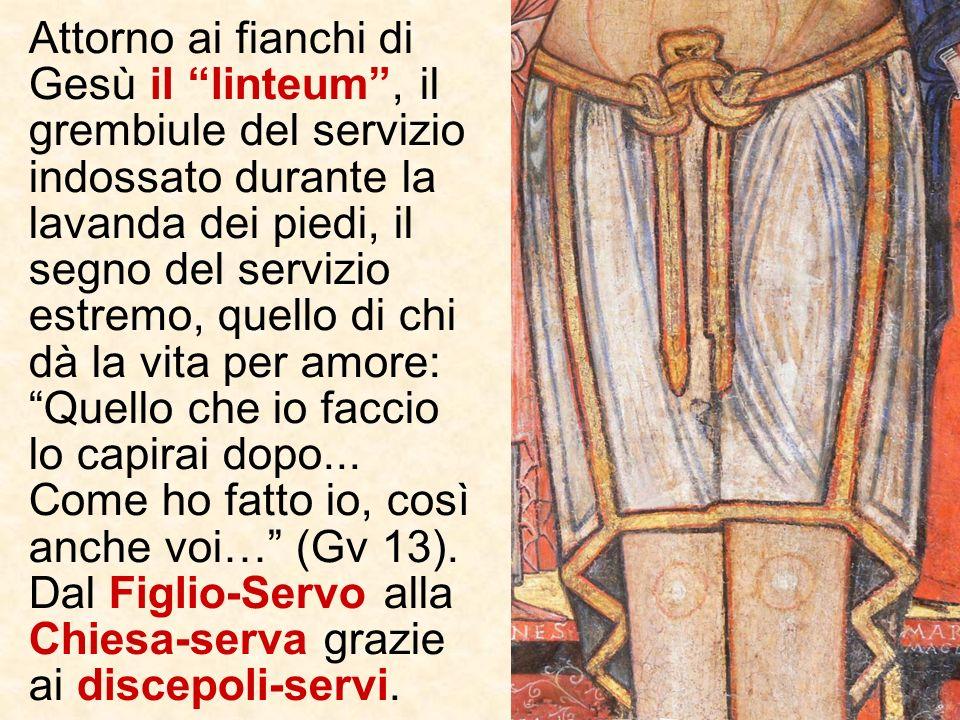 Ai lati delle braccia gli angeli, testimoni delle nozze del Cristo, che ama la Chiesa- Sposa dando per lei la propria vita invitano a guardare a Lui (