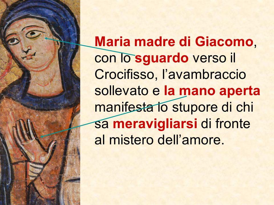 Giovanni che stringe il mantello con la mano sinistra e la Maddalena con la destra, esprimono la partecipazione alla sofferenza. Il gesto di stringere
