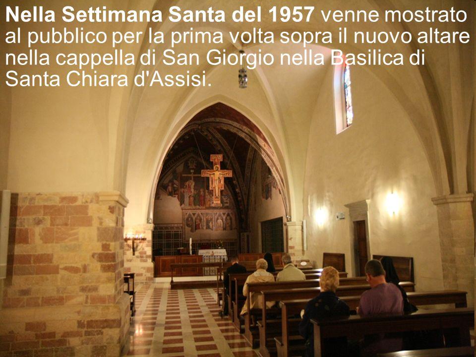 Il Crocifisso rimase a san Damiano contemplato, custodito e invocato da Chiara e dalle sue sorelle, finché visse santa Chiara (1253). Quando, nel 1257