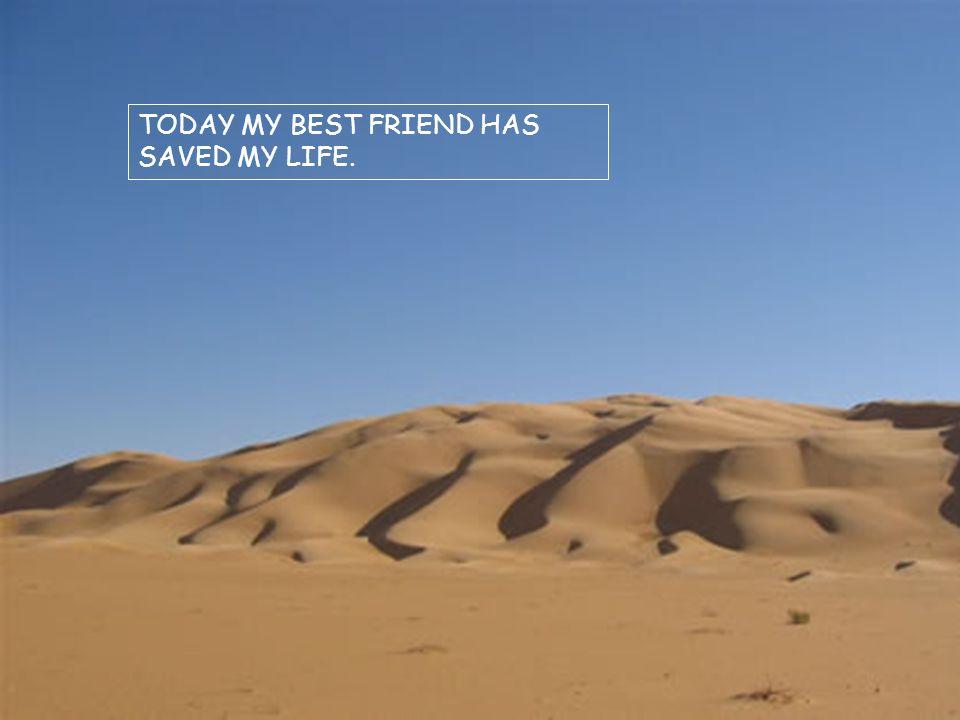 L amico che aveva dato lo schiaffo e aveva salvato il suo migliore amico domandò: Quando ti ho ferito hai scritto nella sabbia, e adesso lo fai su una pietra.