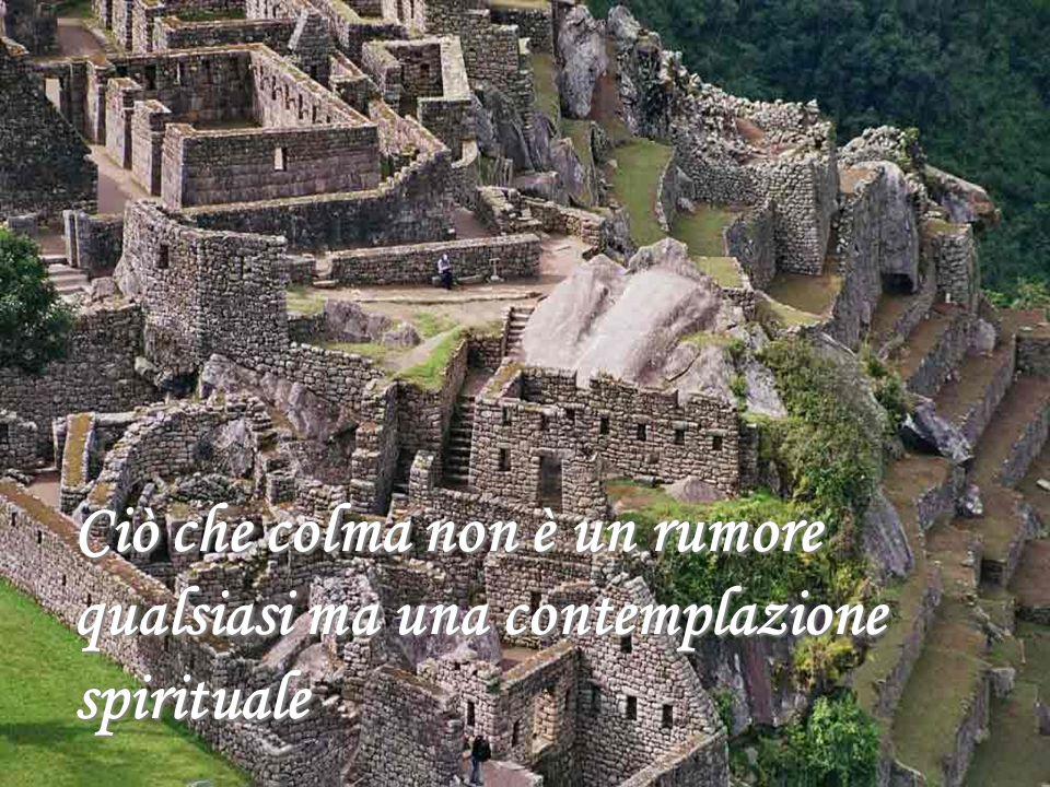 La montagna dove gli Incas sentivano la voce del Dio Sole e celebravano la festa dellInti Raymi