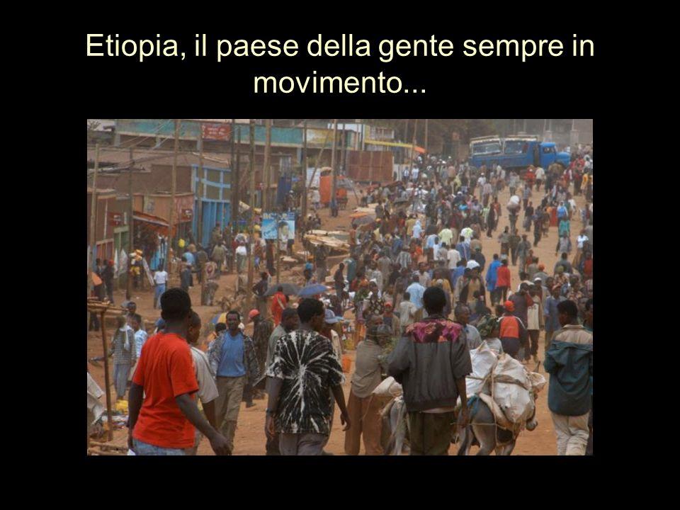 Etiopia, il paese dei bambini che ti circondano con i loro sorrisi.