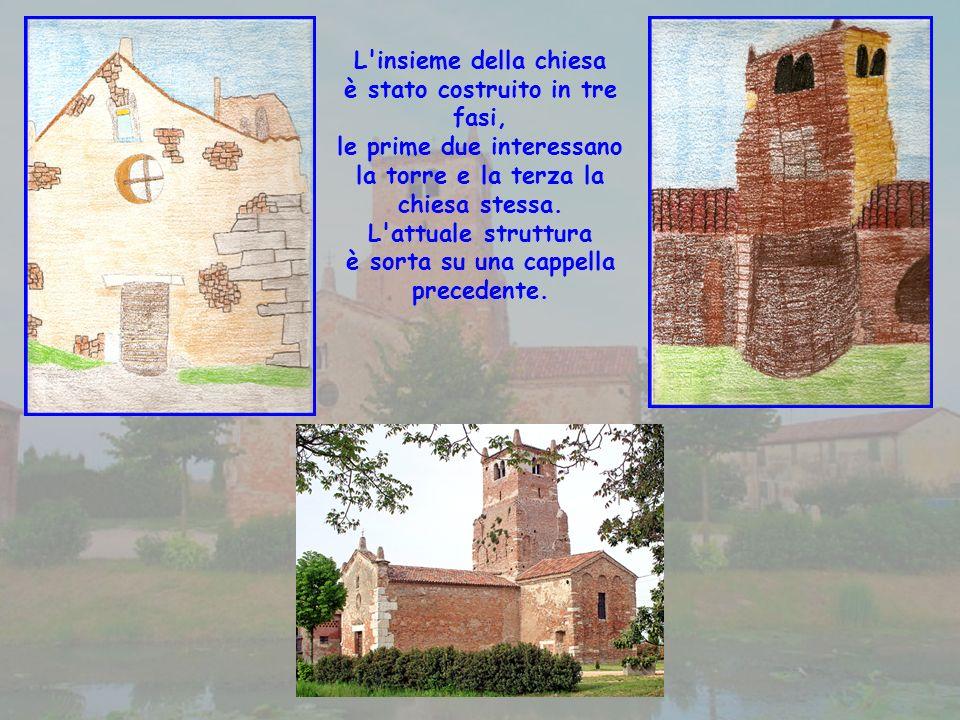 L insieme della chiesa è stato costruito in tre fasi, le prime due interessano la torre e la terza la chiesa stessa.