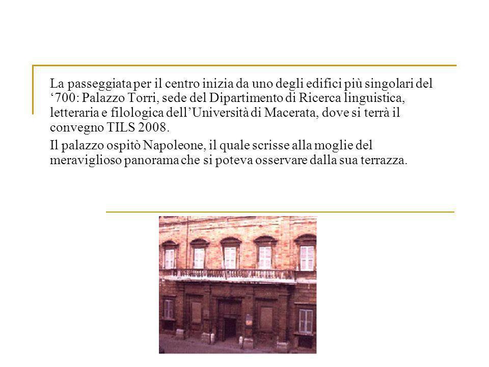 Continuando in senso orario si scorge il Teatro Lauro Rossi, dedicato allomonimo compositore maceratese.