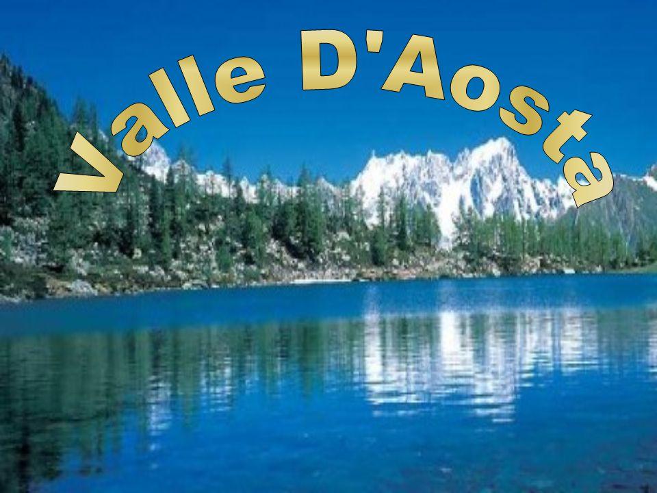 Lo stemma della Regione Valle dAosta è costituito dallo scudo dellantico Ducato dAosta: su uno sfondo nero è raffigurato un leone rampante (cioè sollevato sulle zampe posteriori) color argento.