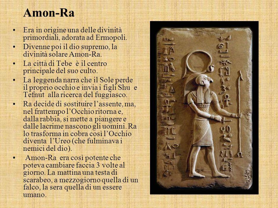 Era in origine una delle divinità primordiali, adorata ad Ermopoli.